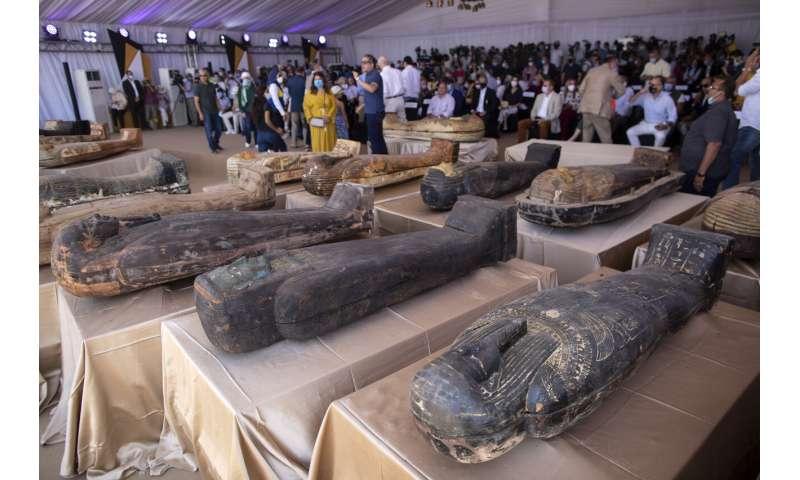 Egypt odhalil 59 starodávnych rakiev nájdených v blízkosti sakarských pyramíd