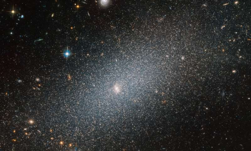 Image: Hubble spies sparkling galaxy
