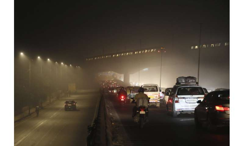In India, polluted air spells trouble for virus patients