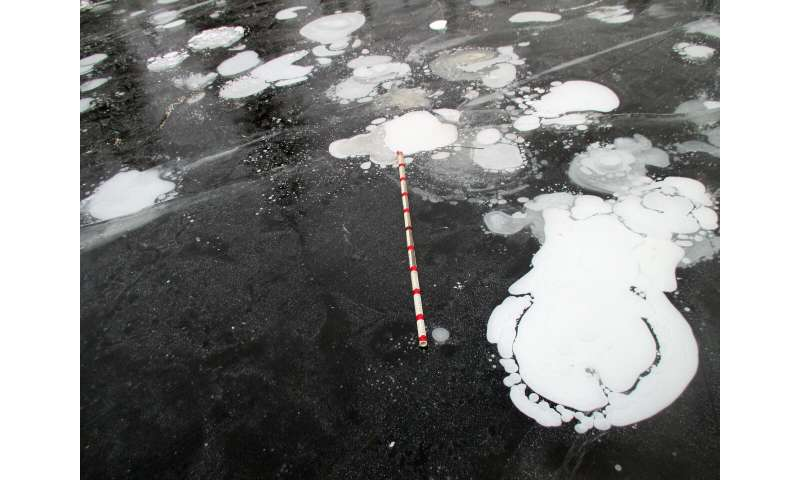 New technique uses radar to gauge methane release from Arctic lakes