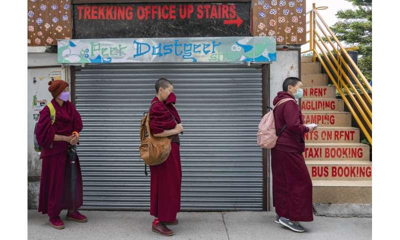 New Zealand tames virus; France, Spain reveal lockdown exits