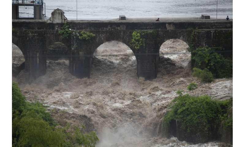 Tropical storm kills 17 in El Salvador and Guatemala