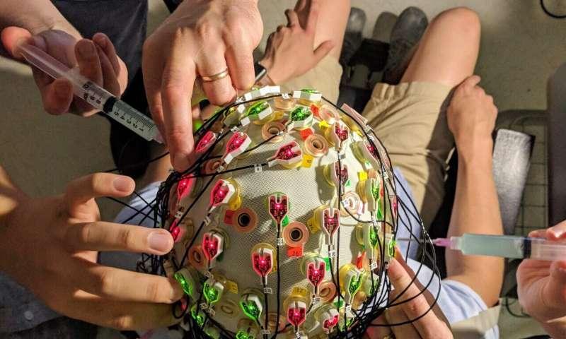Aha! + Aaaah: Creative insight triggers a neural reward signal