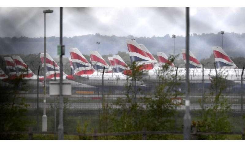 Countries ban UK flights as Britain says new virus strain 'out of control' thumbnail
