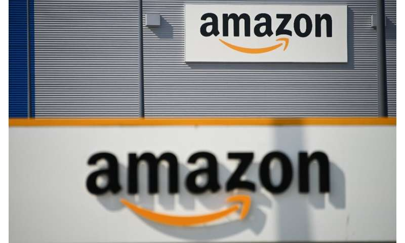 Amazon is introducing a distance assistant that will help employees visualize when they get too close to a co-worker