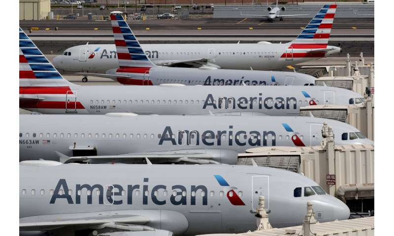 American and 4 other airlines reach loan agreements with US