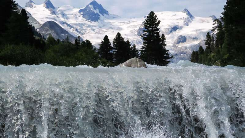 A quarter of the world's lowland population depends critically on mountain water resources
