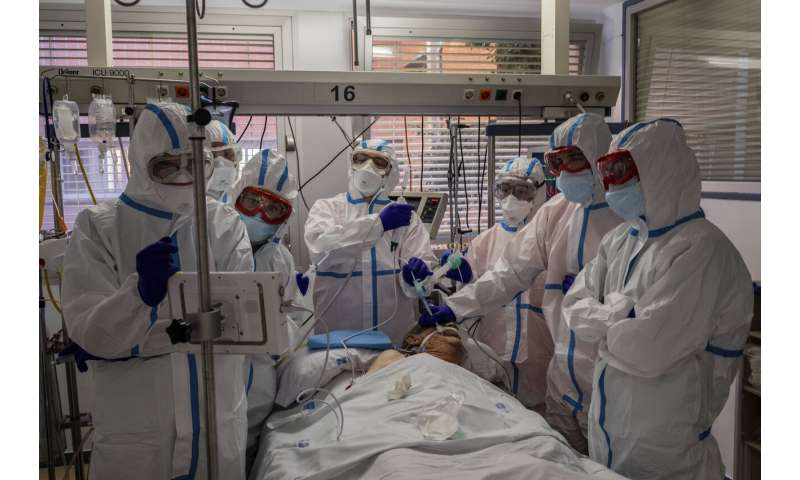 As virus spikes, Europe runs low on ICU beds, hospital staff thumbnail