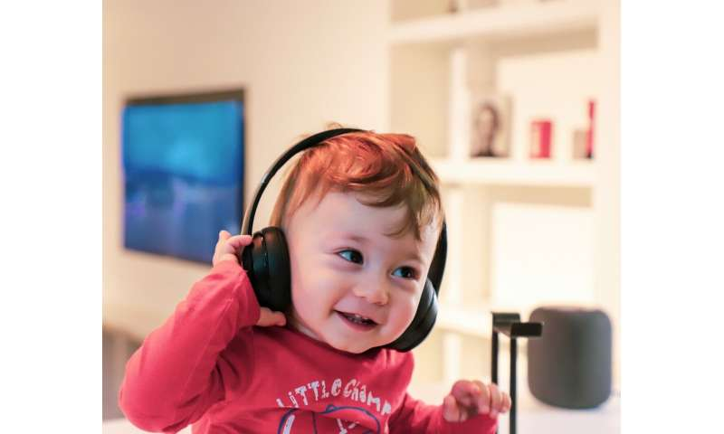 Babies mimic songs, study finds