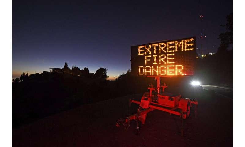 Big power shutoffs in California as winds boost fire danger