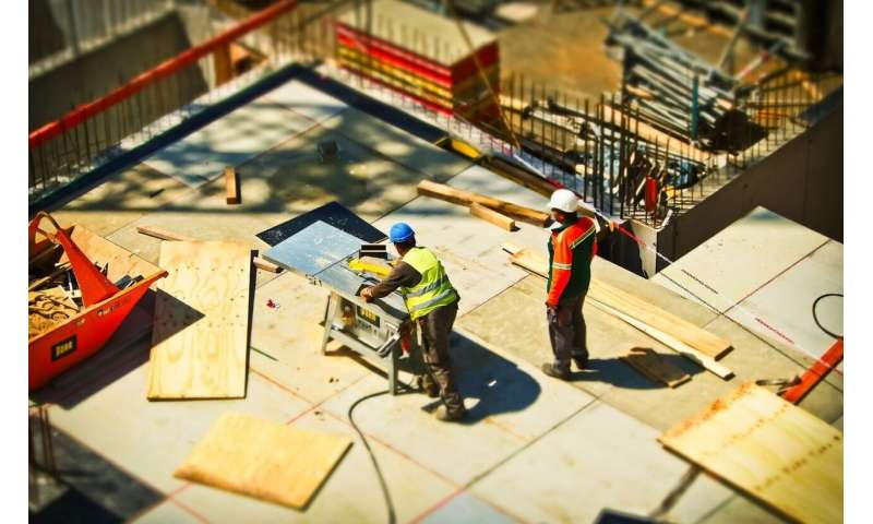 Building trades' risky drinking problems