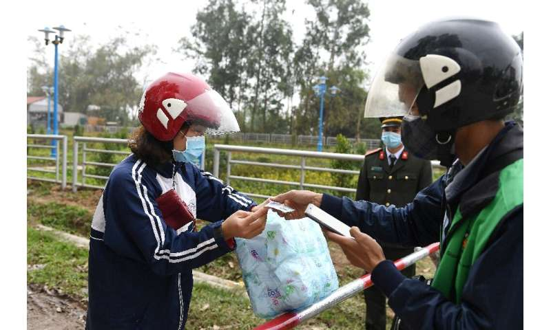 Checkpoints were set up around the commune of Son Loi