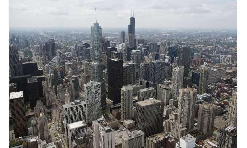 شهردار شیکاگو به ساکنان سومین شهر بزرگ آمریکا توصیه کرده است که از روز دوشنبه در خانه بمانند تا با افزایش سی