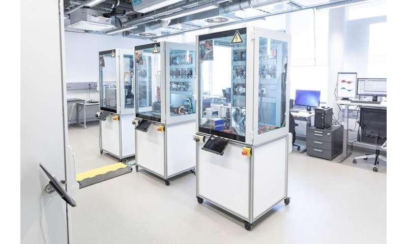 DC smart grids for production plants