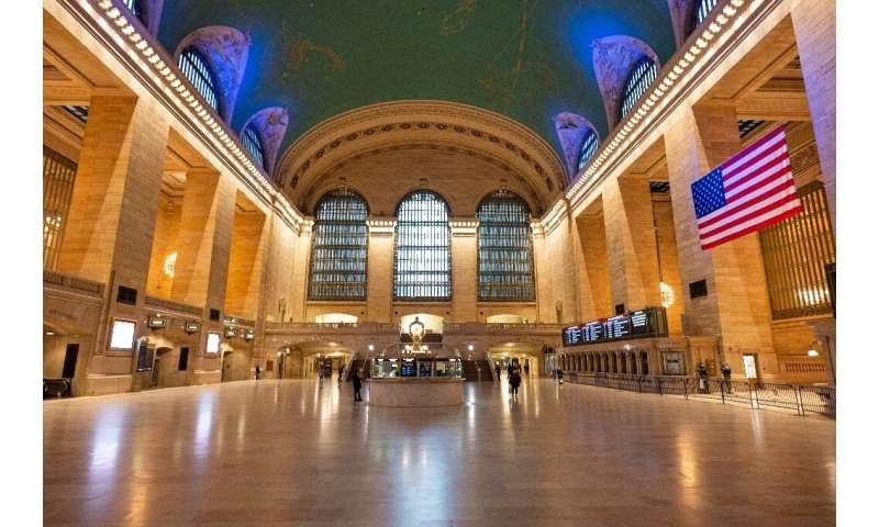 No espere las multitudes previas al cierre en lugares como Grand Central Station, ya que el regreso al trabajo en Nueva York probablemente será lento
