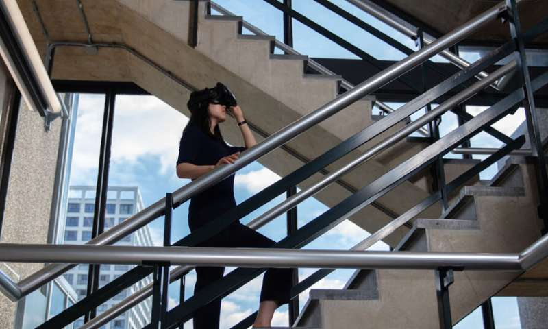 Evacuating virtual buildings