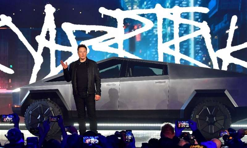 Even the crack in the supposedly indestructible windows of the all-electrick Cybertruck didn't rattle Tesla CEO Elon Musk
