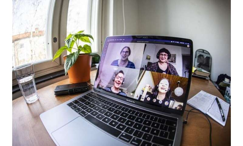 Eye contact activates the autonomic nervous system even during video calls