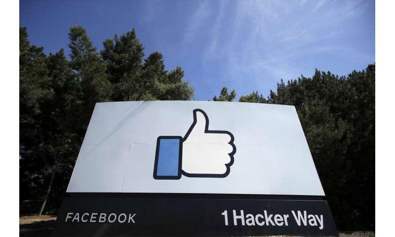 Facebook oversight board to start operating in October