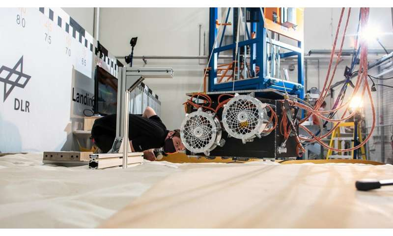 First tests for landing the Martian Moons eXploration rover