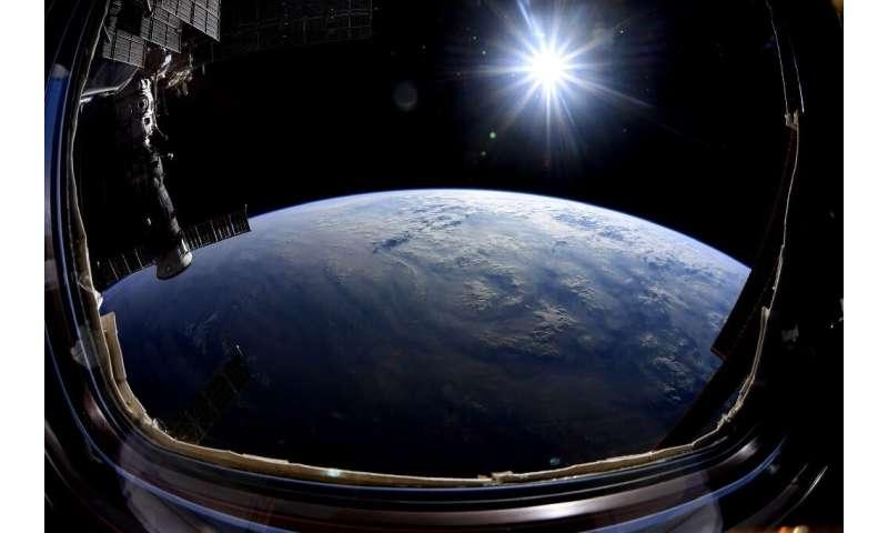 Os terráqueos planos dão pouco crédito às fotografias da Terra tiradas do espaço e estão convencidas de que a NASA está cometendo um gia