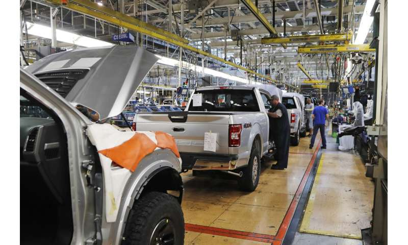 Ford, GM confirm N. American factory shutdowns due to virus