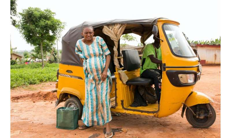 Geographic access to critical maternal health services in an African megacity