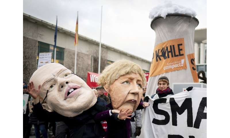 German government defends coal phase-out against critics