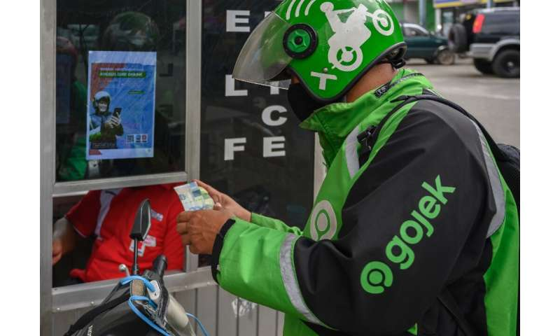 GoJek offers a wide range of services, including deliveries and financial services