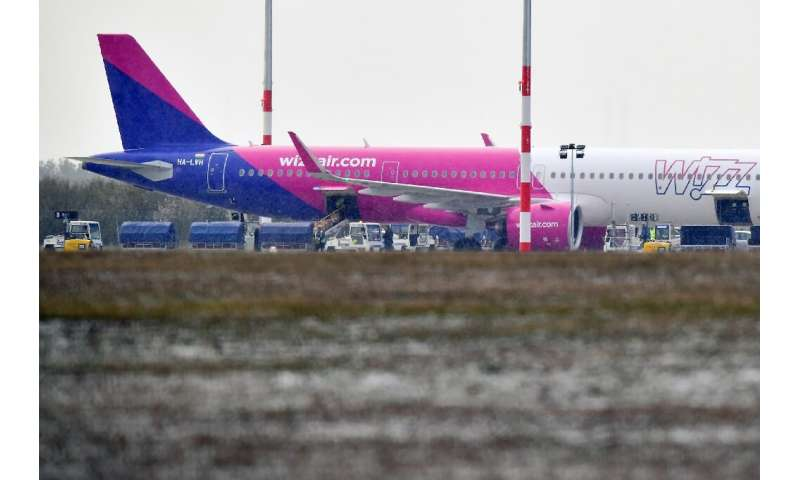 "Hungarian budget airline Wizz Air has decided to ""proceed with 1,000 layoffs, representing 19 percent of the workforce,&quo"