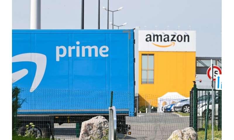 Trong nền kinh tế Covid, có kẻ thắng người thua - những gã khổng lồ thương mại điện tử như Amazon, cho thấy lợi nhuận và doanh số tăng nhưng truyền thống