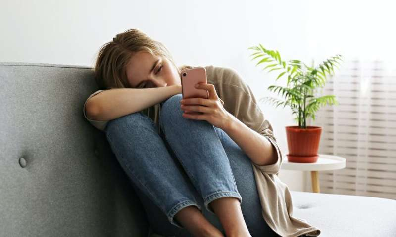 It's hard to admit we're lonely, even to ourselves. Here are the signs and how to manage them