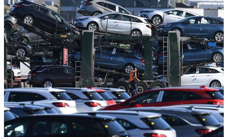 Lots of cars, less buyers