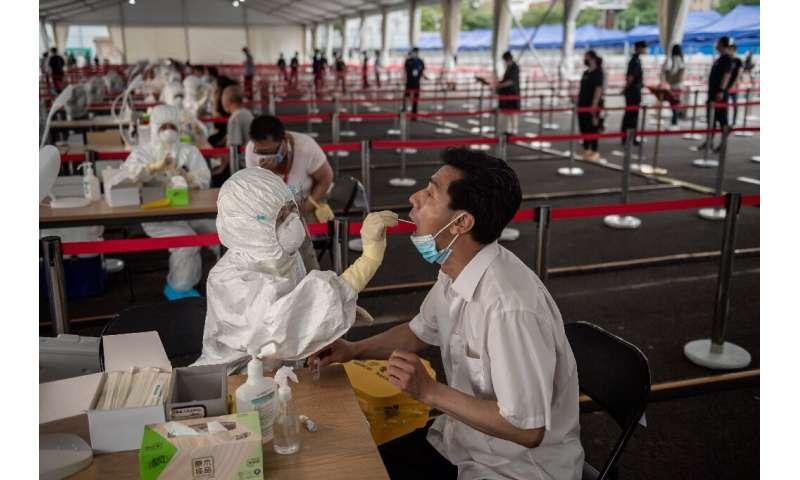 Mass testing for the COVID-19 coronavirus is held in Beijing