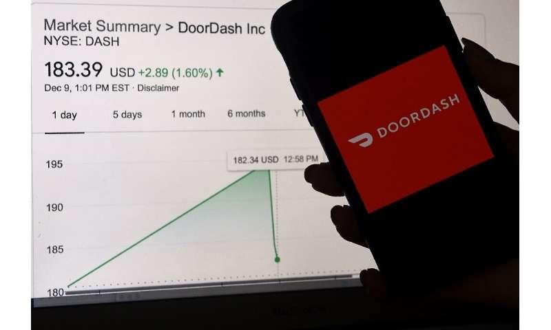 Grup pengiriman makanan DoorDash melihat sahamnya melonjak dalam debutnya di Wall Street minggu ini sebagai tanda permintaan yang hiruk pikuk untuk negara berkembang.