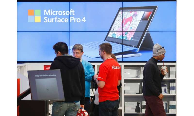 """Microsoft is closing all its retail stores and moving sales online, keeping only four locations that will become """"experienc"""