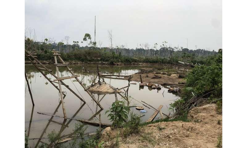 Mine ponds amplify mercury risks in Peru's Amazon