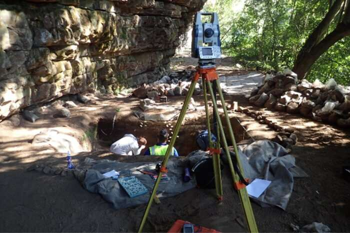 New investigation of South African rock shelter sheds light into Middle and Later modern human bahaviour