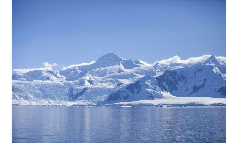 New model -- Antarctic ice loss expected to affect future climate change