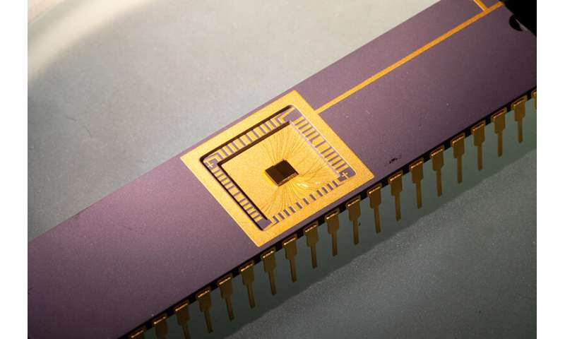 Physicists build circuit that generates clean, limitless power from graphene