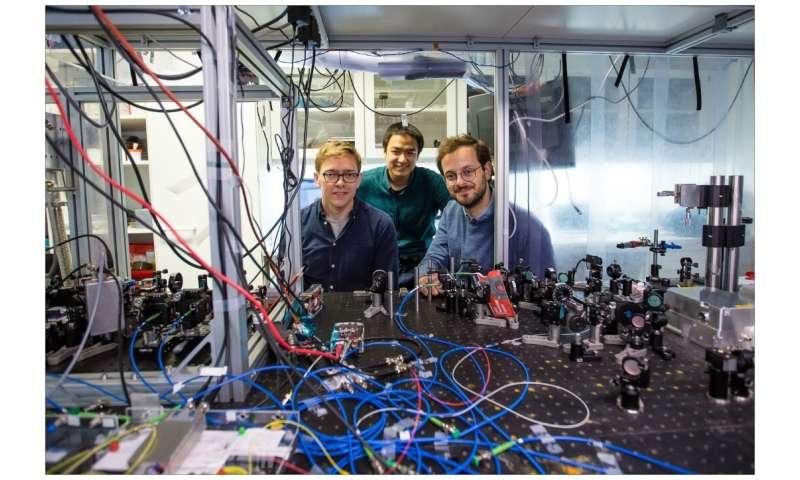 Quantum-entangled light from a vibrating membrane
