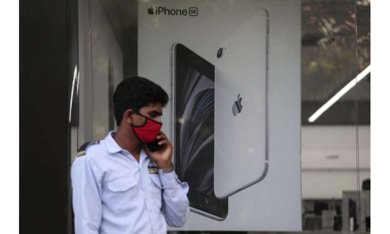 Samsung, Apple to boost cellphone manufacturing in India
