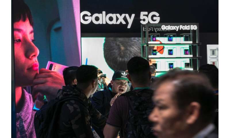 Samsung is pinning its hopes on increasing availabilty of 5G telecom services driving sales of its handsets