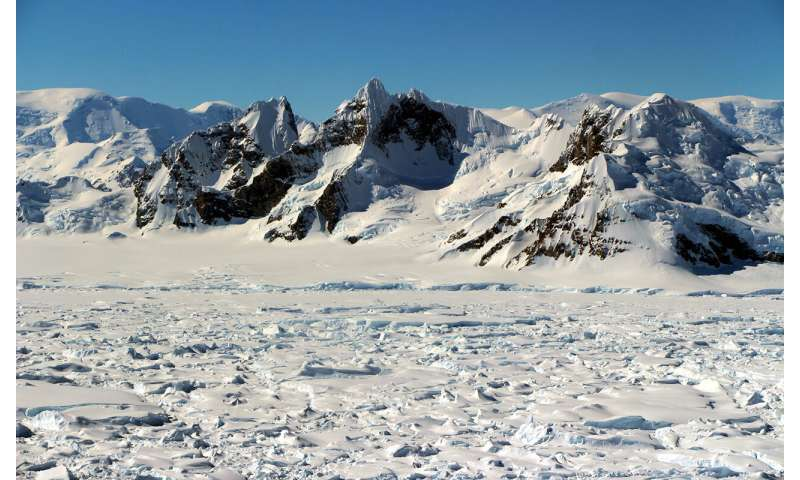Satellite record gives unprecedented view of Antarctic ice shelf melt pattern over 25 years