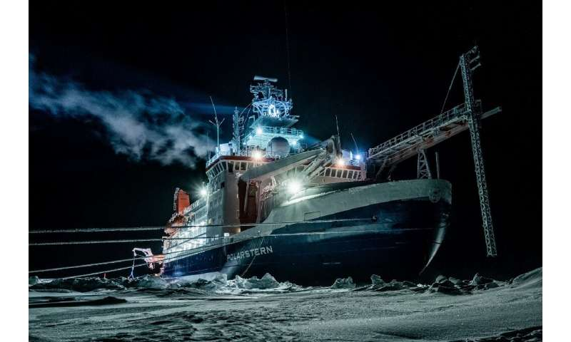 Several hundred scientists from 20 countries travelled in the icebreaker 'Polarstern'
