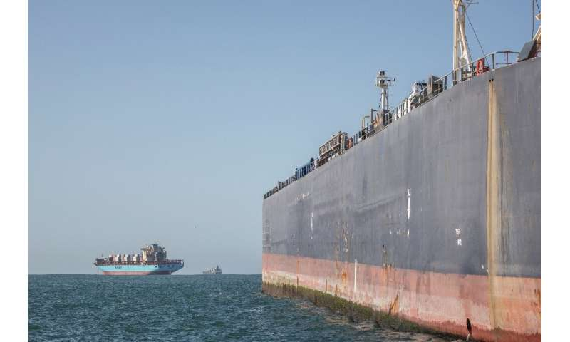 Since 2016, ship-to-ship refuelling, or bunkering, has been possible in Algoa Bay—the main storage tanker can hold 100,000 metri