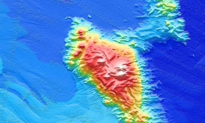 Sinking sea mountains make and muffle earthquakes