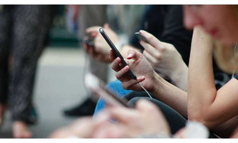 Study finds strong links between trust and social media use