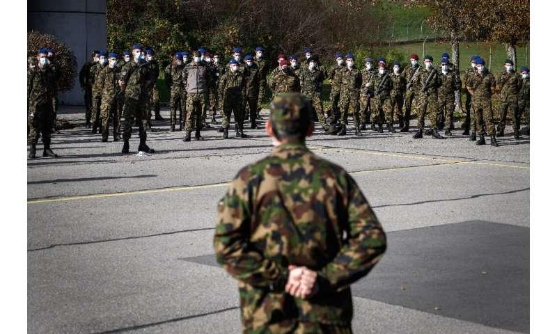 نیروهای ذخیره ارتش سوئیس برای حمایت از بیمارستان های دولتی مستقر شدند