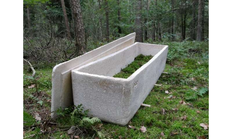 The coffin turns corpses into compost that enrichesthe soil